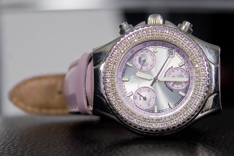Серебряные часы с бриллиантами