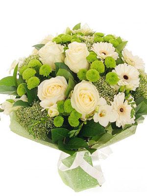 Букет красивых белых цветов