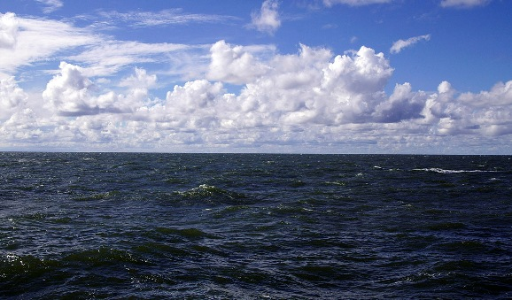 Поверхность Балтийского моря